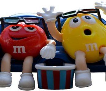 Cinema all'aperto nelle Marche: spettatori, pop corn e M&M's