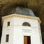 Tempio del Valadier a Frasassi