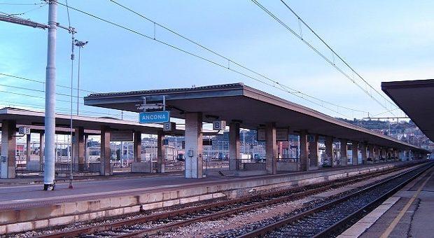 I binari della stazione di Ancona Centrale