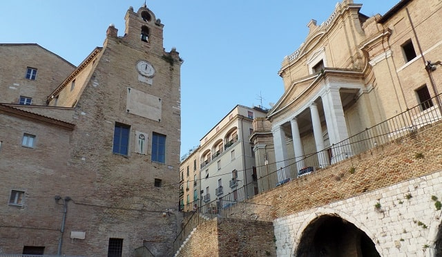 Giornate FAI Autunno 2018 nelle Marche, la Chiesa del Gesù di Ancona con Palazzo degli Anziani