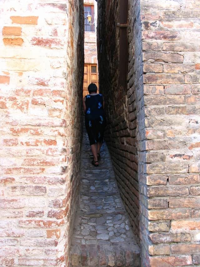 Ripatransone, il vicolo più stretto d'Italia