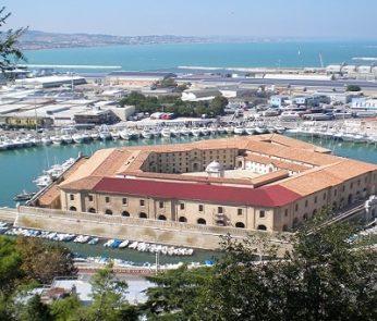 Mole Vanvitelliana Ancona, isolotto del Lazzaretto