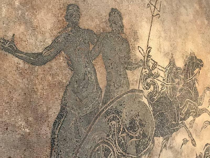 Domus del mito a sant 39 angelo in vado orari e come arrivare for Marini arredamenti sant angelo in vado