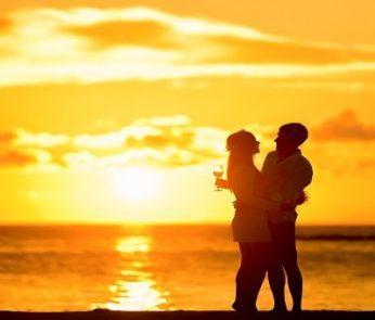 San Valentino nelle Marche: alba in spiaggia per gli innamorati