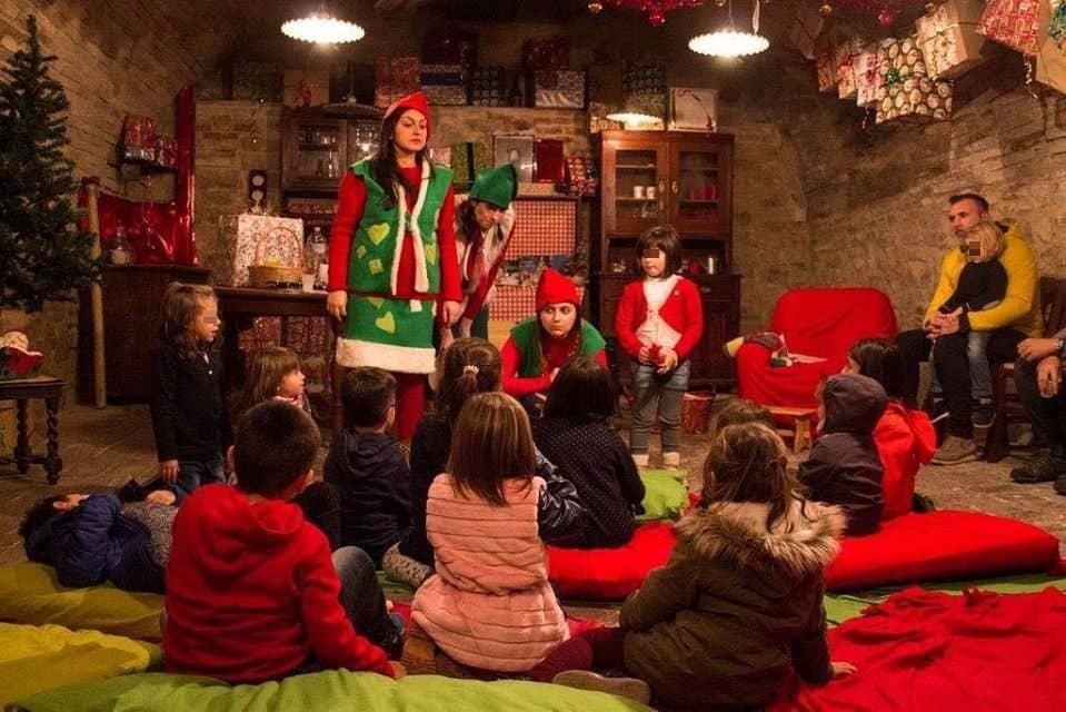 Magico Mondo di Babbo Natale a Pergola: recita
