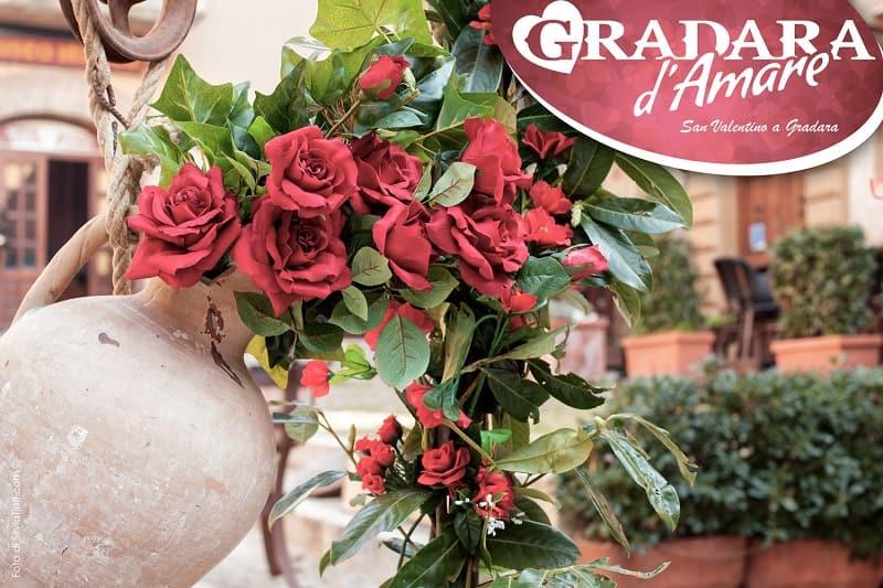 Gradara d'Amare 2020: rose rosse