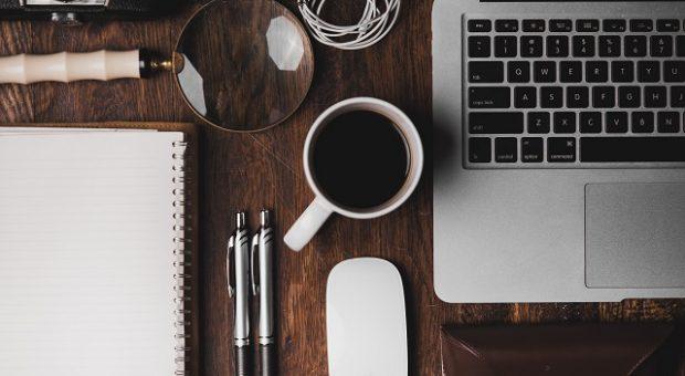 scrivania-lavoro-gadget
